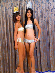 Hot ladyboy lesbian Palm turns ts gf lesbo for shemale on shemale sex