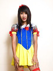 Ladyboy Ood Hung Snow White