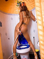 Ladyboy Em Potty Girl