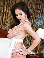 Ladyboy PEAR Room Service