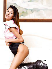 Kinky Thai ladyboy Dada playing with her horny pussy and a dildo
