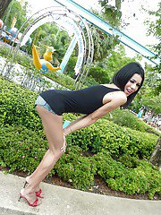 Ladyboy Mo Pattaya Park Exhibitionist