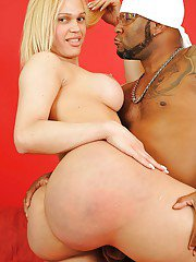 Big booty tranny Bianca Laele has an interracial oral adventure