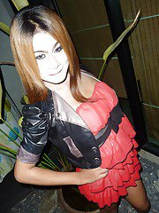 Hot ladyboy gf posing naked for nude shots of herself jerking dick