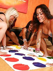Interracial shemale on shemale posing with Aline Fontinelly and dick chicks